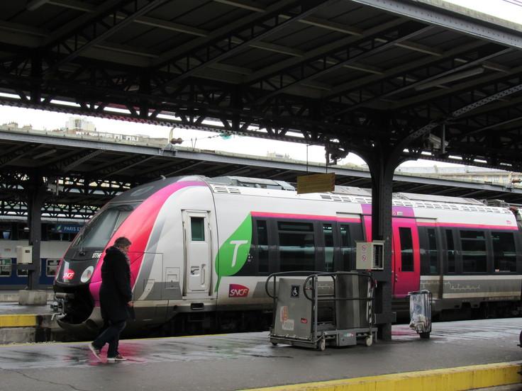 パリ東駅からランスへ。_c0212604_2330334.jpg
