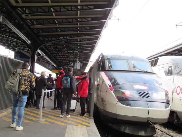 パリ東駅からランスへ。_c0212604_2330865.jpg