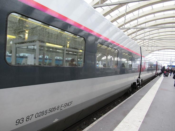 パリ東駅からランスへ。_c0212604_2341058.jpg