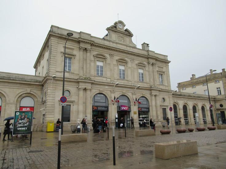 パリ東駅からランスへ。_c0212604_2342973.jpg