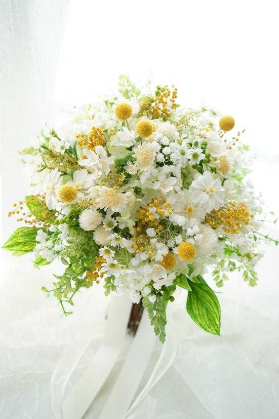 かすみ草と小花のナチュラルクラッチブーケ!_a0136507_21153653.jpg