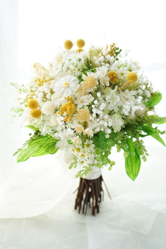 かすみ草と小花のナチュラルクラッチブーケ!_a0136507_21160798.jpg