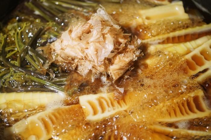 ■季節料理【真竹と蕨の煮付け】_b0033423_22194718.jpg