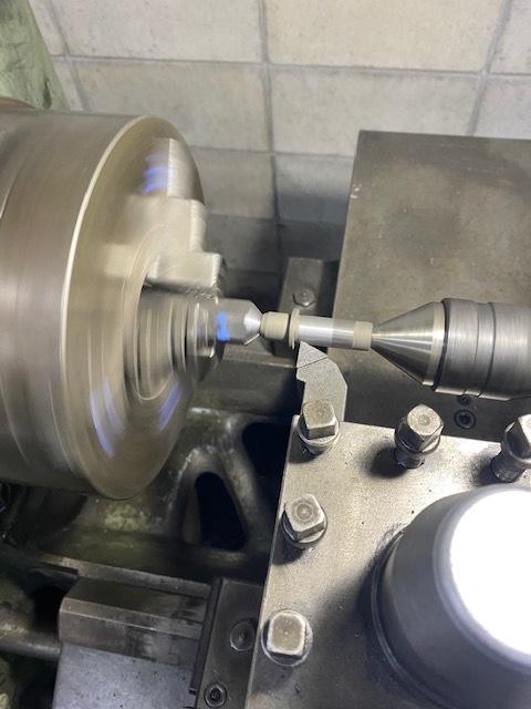 内燃機加工用の刃物が破損すると、心も凹みます_c0152253_20593884.jpg