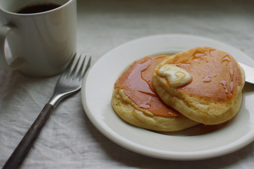 メレンゲパンケーキの朝食_c0110869_09100273.jpg