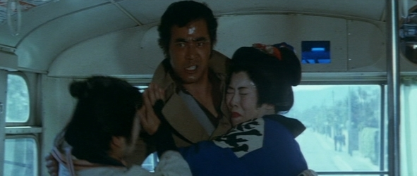 『狂った野獣』 中島貞夫 1976_d0151584_04221554.jpg