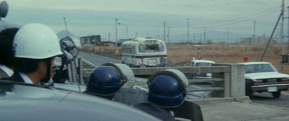 『狂った野獣』 中島貞夫 1976_d0151584_04221937.jpg
