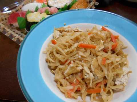 お寿司と切り干し大根の煮物(じいちゃんの料理)_f0019498_17190683.jpg