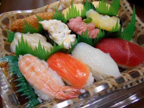 お寿司と切り干し大根の煮物(じいちゃんの料理)_f0019498_17193086.jpg