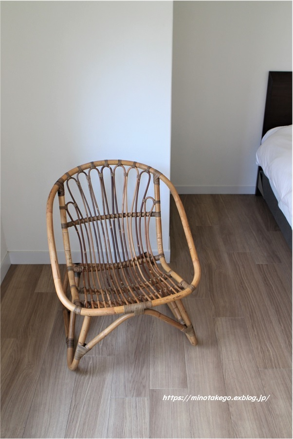 安らぎの椅子は入荷待ちのようです_e0343145_22443774.jpg