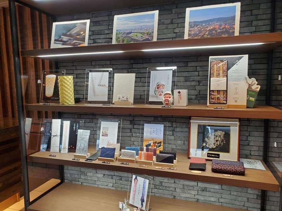 6月17日オープン・城のホテルは山梨の伝統工芸を大事にしてます_b0151362_21374576.jpg
