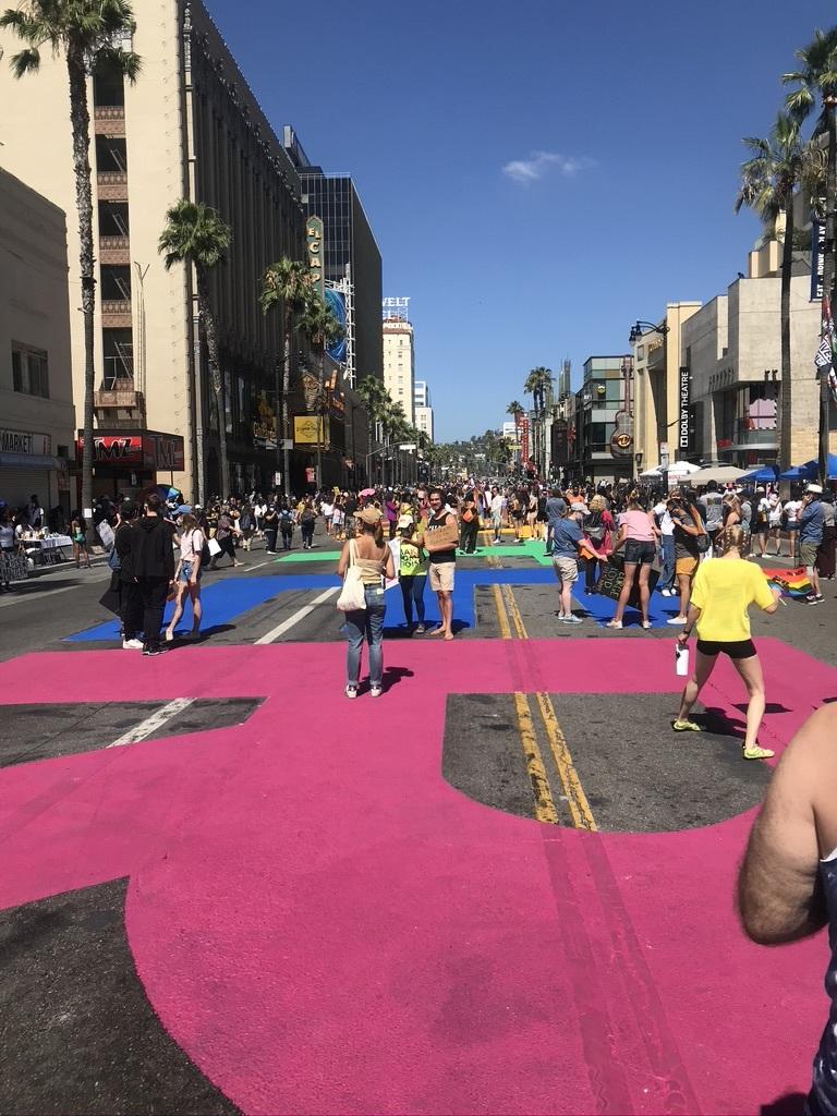 BLM LAプライド版デモ in West Hollywood_d0003936_12580625.jpeg