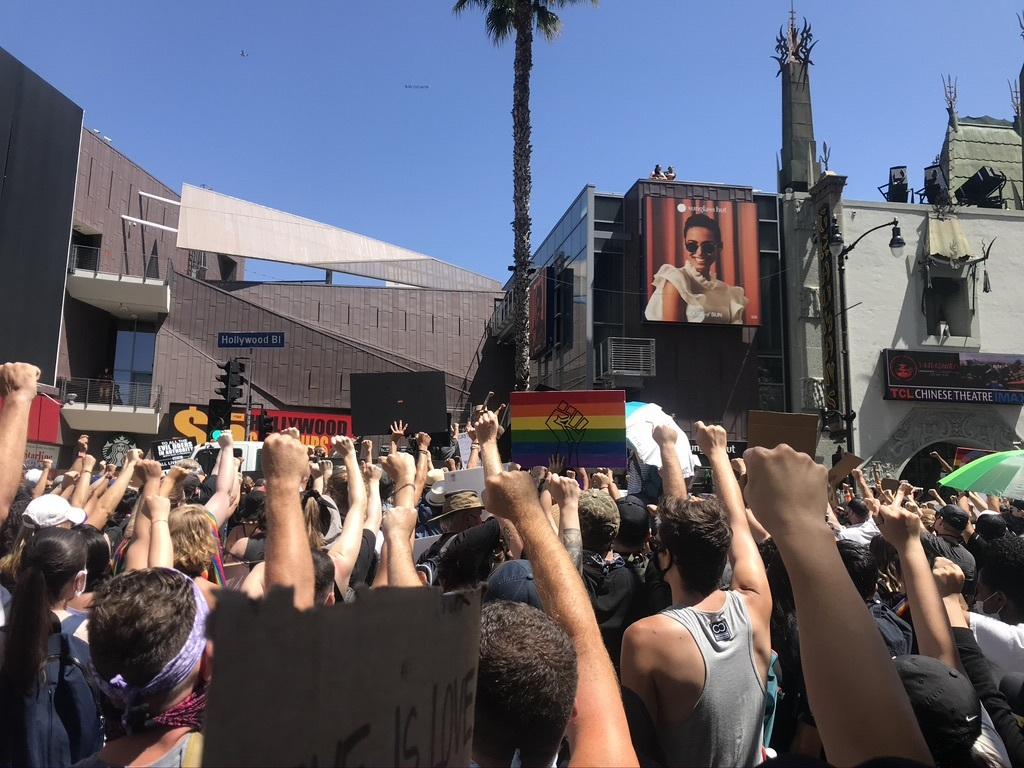 BLM LAプライド版デモ in West Hollywood_d0003936_13035455.jpeg