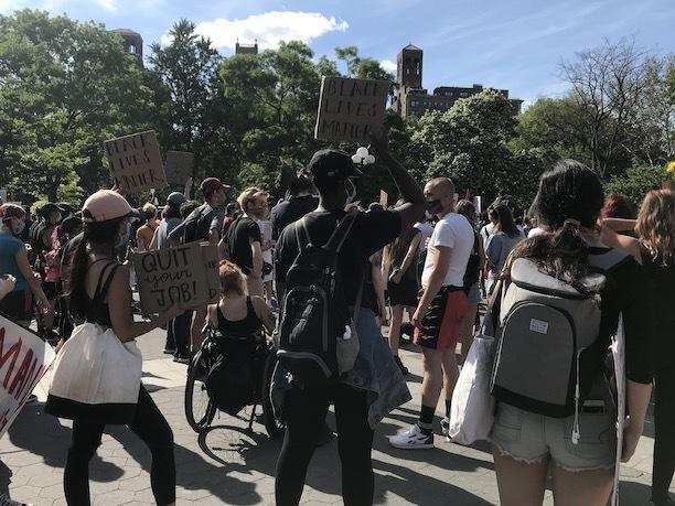NY再開!警官による黒人殺害事件と、新しい世代が率いる「ブラックライヴズ・マター」_c0050387_15573537.jpeg