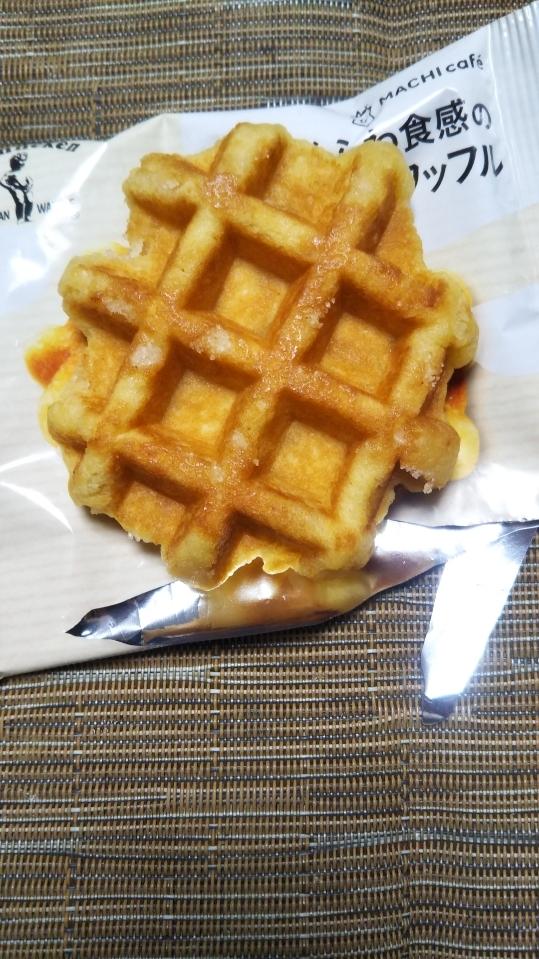 ローソン マチカフェ さくふわ食感のベルギーワッフル_f0076001_21264195.jpg