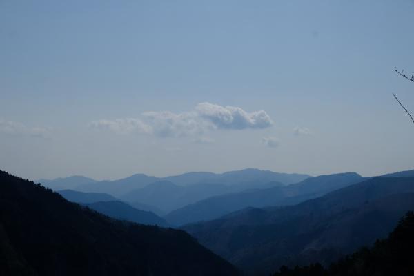 低山登山を楽しむ_e0000910_11382473.jpg