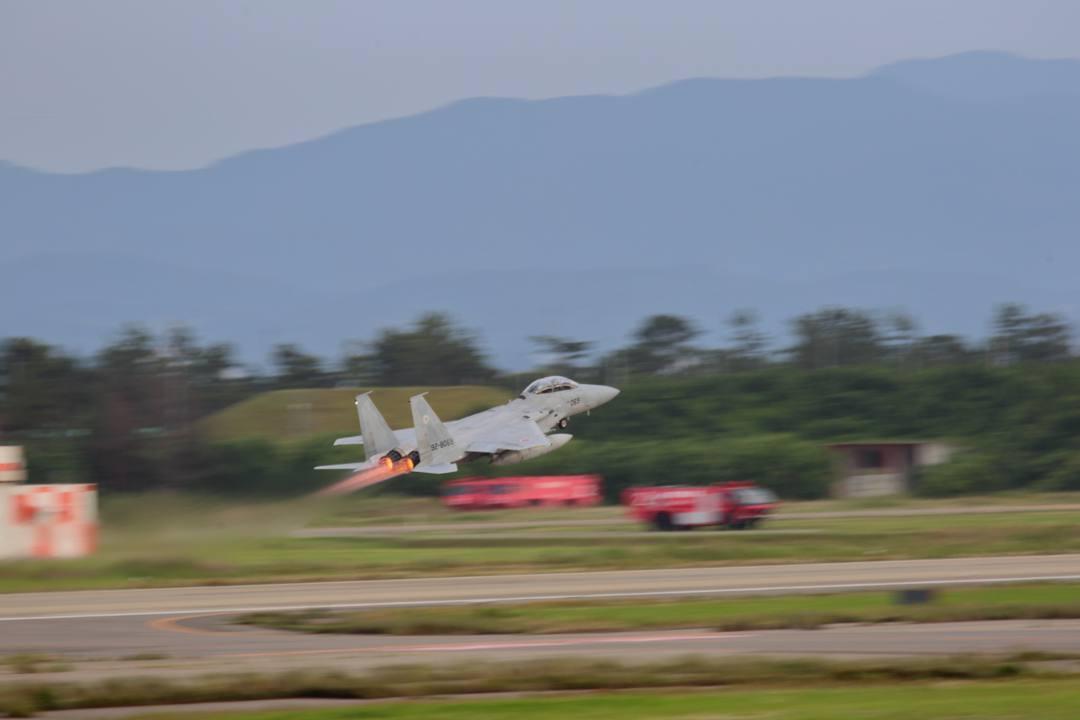 戦闘機_e0403850_20200707.jpg