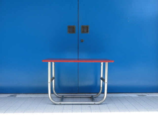 "\""VINTAGE STEEL LEG TABLE #BAUHAUS\""ってこんなこと。_c0140560_08285105.jpg"