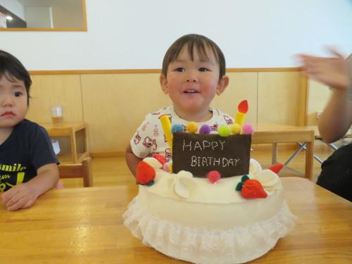 乳児 4月、6月生まれの誕生会_f0327175_16510364.jpg