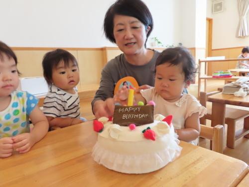 乳児 4月、6月生まれの誕生会_f0327175_17292410.jpg
