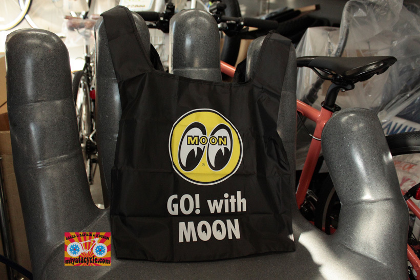MOONEYES ECO BAG_e0126901_07265371.jpg