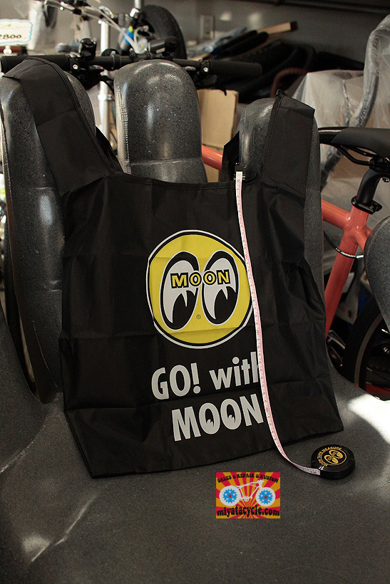 MOONEYES ECO BAG_e0126901_07265701.jpg