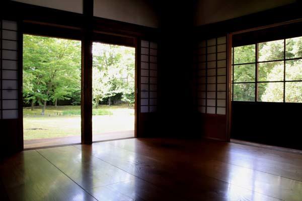 閑院宮邸跡 濃い緑に_e0048413_21242363.jpg