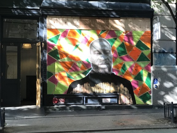 アートで蘇るNYの街角!さすがアレキサンダーワンはオシャレだった!_c0050387_15394627.jpeg