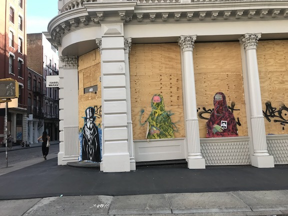 アートで蘇るNYの街角!さすがアレキサンダーワンはオシャレだった!_c0050387_15400868.jpeg