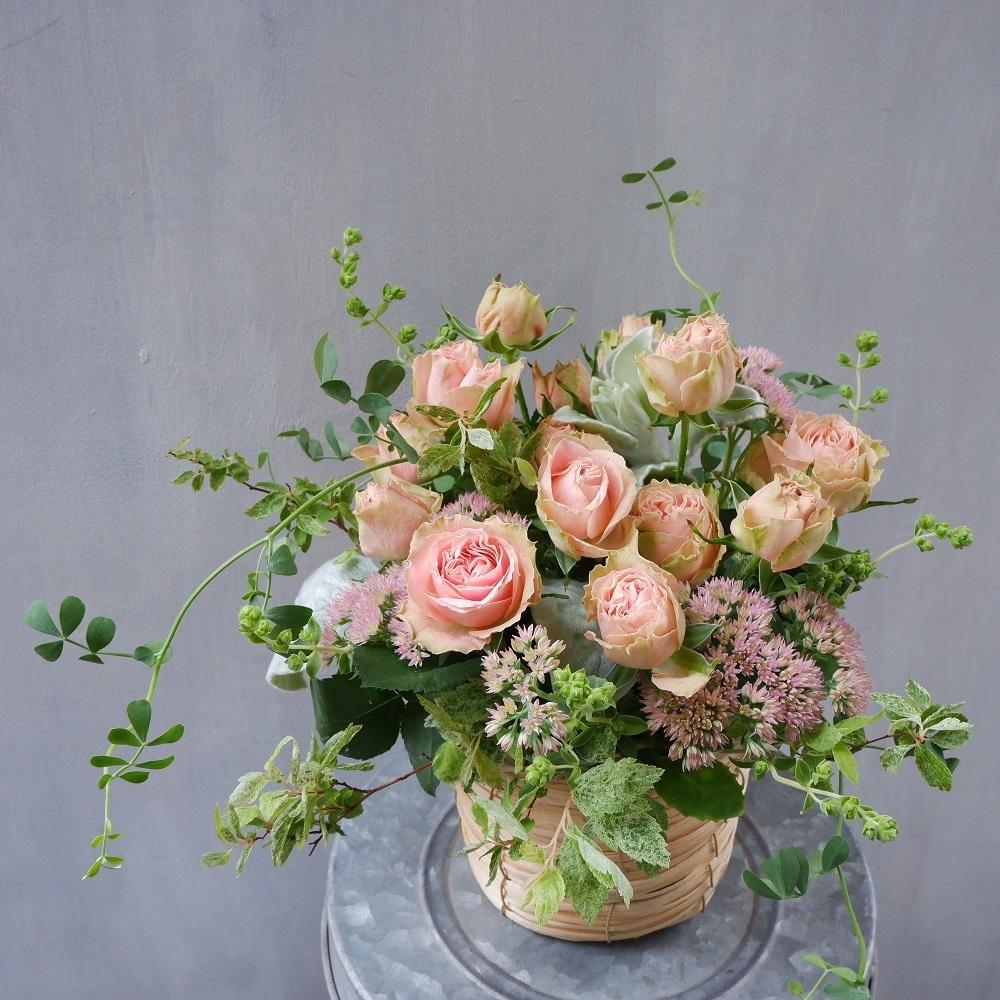 オークリーフ(ピンクのバラのアレンジメント)_f0049672_17481848.jpg