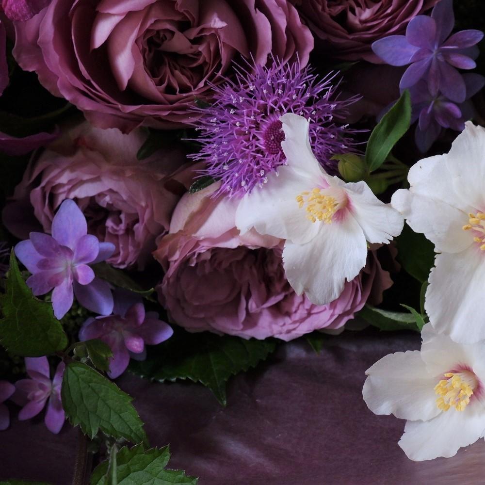 オークリーフ(バラアフタマスと季節花の花束)_f0049672_18112422.jpg