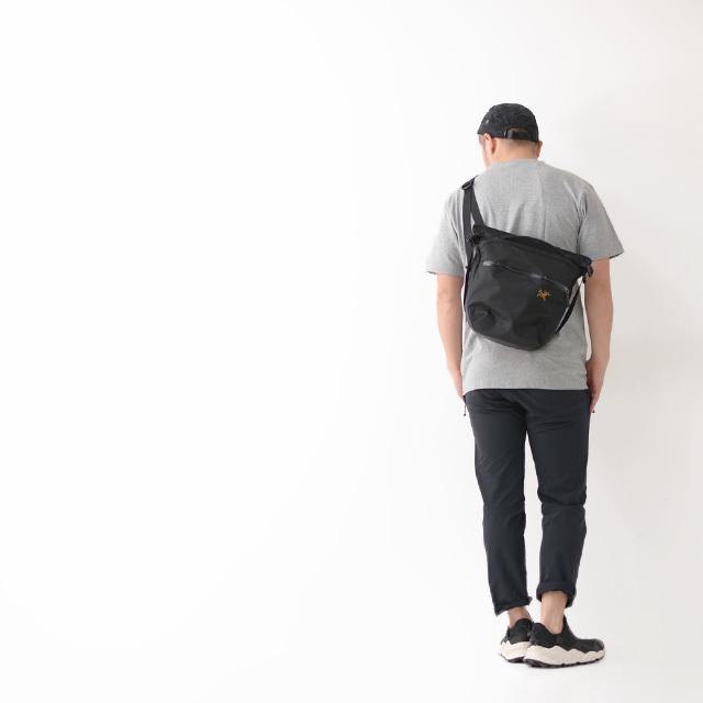 アークテリクス Arro 8 Shoulder Bag [24019]  人気のアロー8_f0051306_12454873.jpg