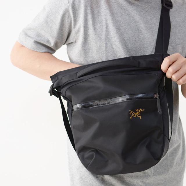 アークテリクス Arro 8 Shoulder Bag [24019]  人気のアロー8_f0051306_12454883.jpg