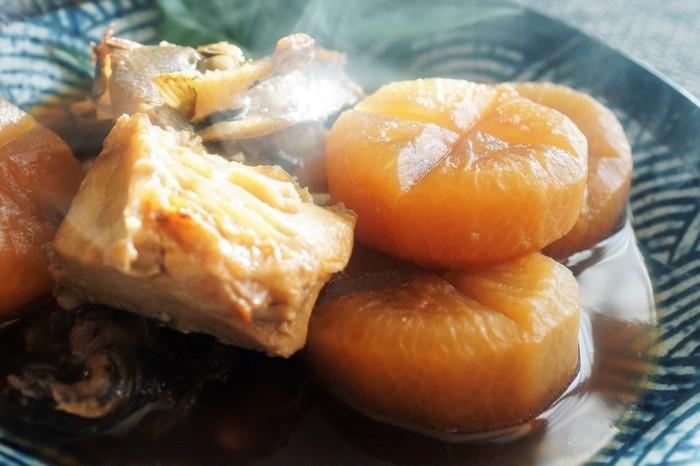 ■和食のおかず【ブリ粗大根煮】圧力鍋使用です。_b0033423_18535959.jpg