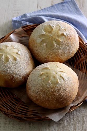 料理通信に載っていた「パンフランス・ソイ」を焼く_a0165538_08105227.jpg