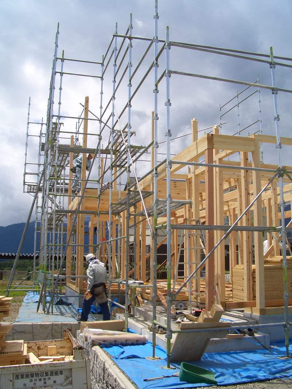 伊那市で設計事務所の家づくり 建築現場『建て方』 _b0146238_05575065.jpg