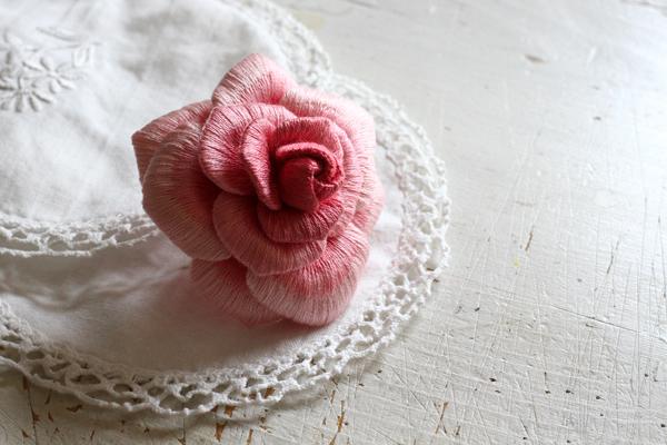 雑誌向け作品の為に立体刺繍の大輪のバラを制作しました_e0333647_15480763.jpg