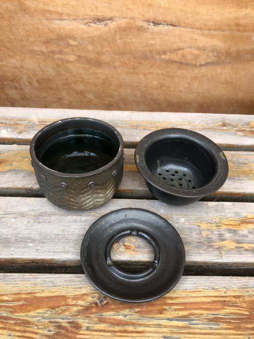 お庭の灰皿_c0298879_10071129.jpg