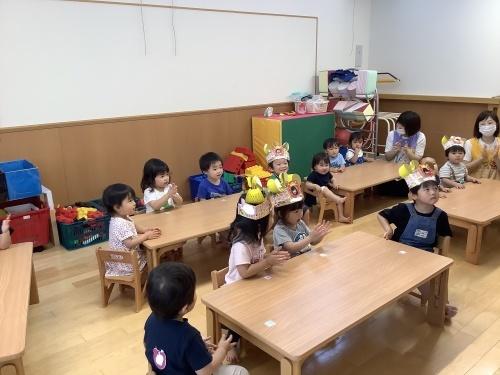 4月,5月,6月生まれのお誕生会(1・2歳児)_c0352066_16530763.jpg