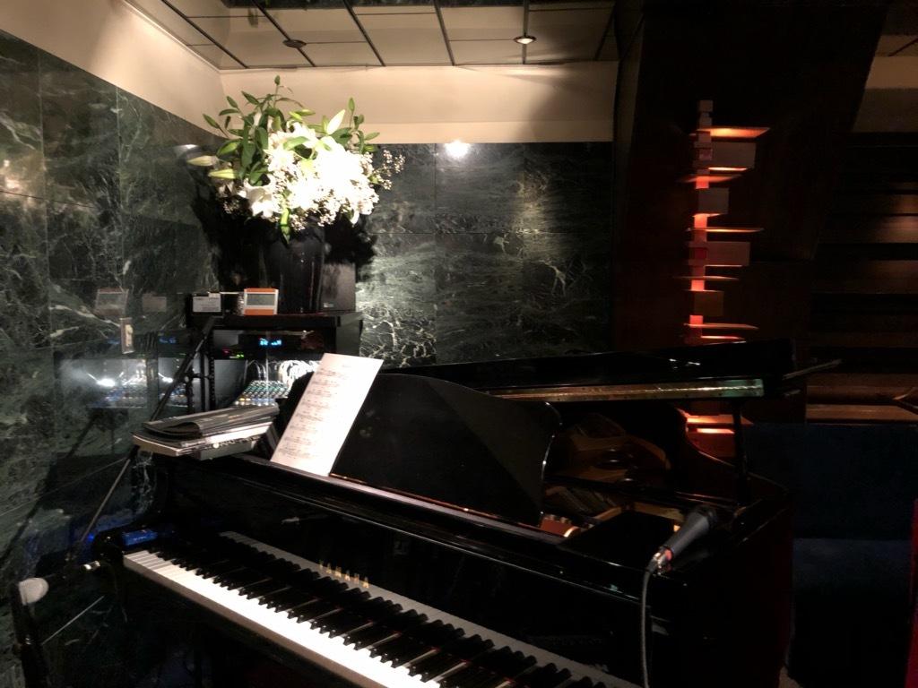 新宿JJはソロピアノから再開♪_c0104293_12560035.jpg