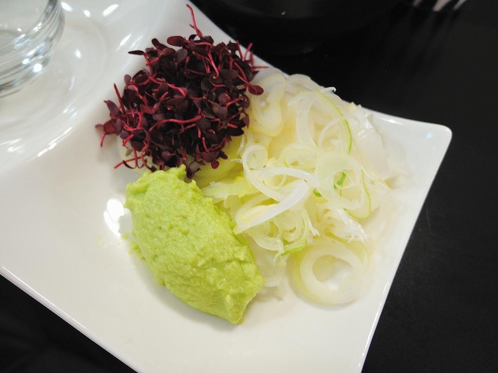 自家製麺 SHIN(新)@反町_c0395834_22441286.jpg
