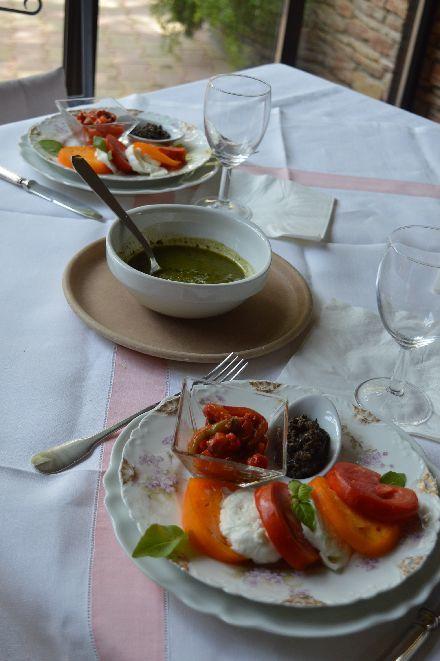夏の保存食は バジルとトマト_b0346275_08580952.jpg