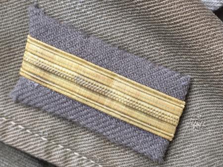 海軍兵曹長陸戦被服上衣・昭和15年改正の褐青色。_a0154482_13454586.jpg