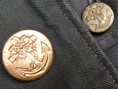 海軍兵曹長陸戦被服上衣・昭和15年改正の褐青色。_a0154482_13475896.jpg