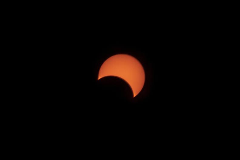 夏至と日食_f0189086_19260410.jpg