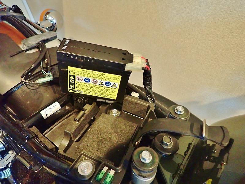 SR400 2年半の放置で流石にバッテリーが・・・_c0336902_20192950.jpg