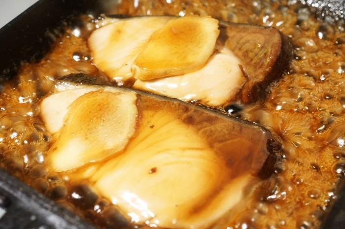 ■和食【簡単5分で ブリの照り焼き・甘辛バター 】濃厚な味わいです♪_b0033423_00065554.jpg