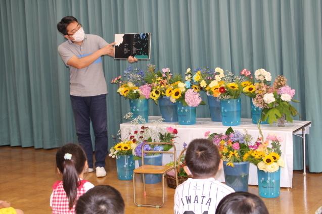 子どもの日・花の日礼拝_e0209845_11141096.jpg