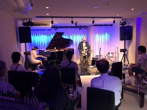 広島 ジャズライブ カミン  Jazzlive Comin本日6月23日のライブ_b0115606_12232615.jpeg
