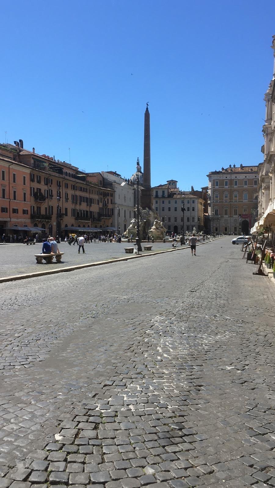 イタリアはまだまだ感染がおさまっていない様子_a0129711_14071654.jpg